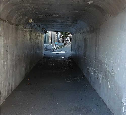 モテキのトンネル.jpg